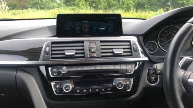 2017 BMW 320d xDrive M Sport Saloon (Red) - Image: 8