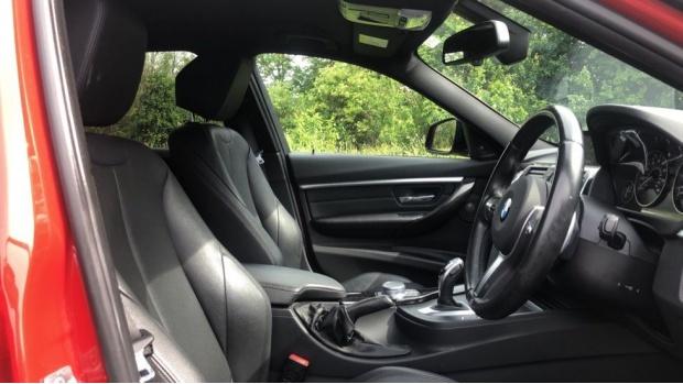 2017 BMW 320d xDrive M Sport Saloon (Red) - Image: 11
