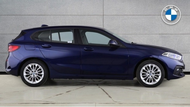 2020 BMW 118d SE (Blue) - Image: 3