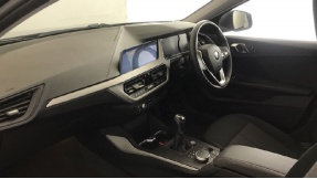 2020 BMW 118d SE (Blue) - Image: 6