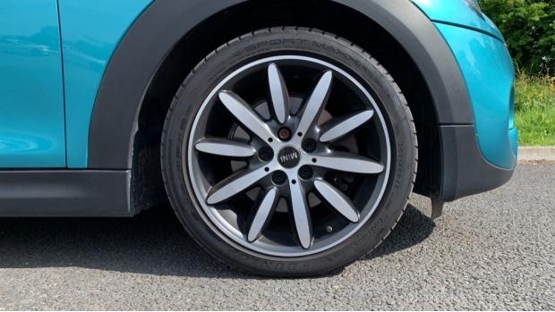 2016 MINI Cooper S Convertible (Green) - Image: 14