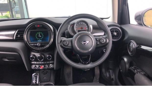 2020 MINI 5-door Cooper S Classic (Black) - Image: 5