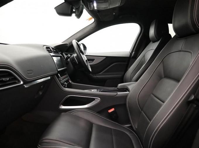 2019 Jaguar 2.0i R-Sport Auto 5-door (Black) - Image: 3