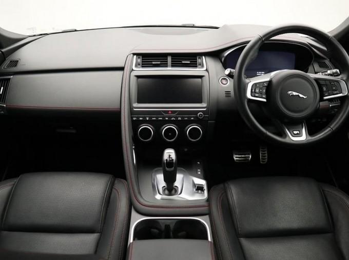 2019 Jaguar D180 Chequered Flag Auto 5-door (Grey) - Image: 9