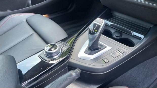 2018 BMW 220i Sport Coupe (Black) - Image: 10