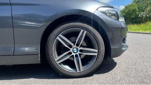 2018 BMW 116d Sport 5-door (Grey) - Image: 14