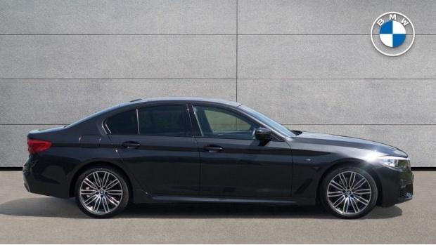 2019 BMW 530i M Sport Saloon (Grey) - Image: 3