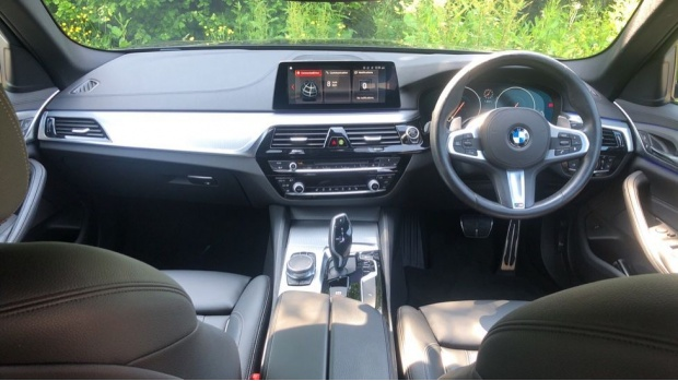2019 BMW 530i M Sport Saloon (Grey) - Image: 4