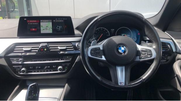 2018 BMW 520d M Sport Saloon (Blue) - Image: 5