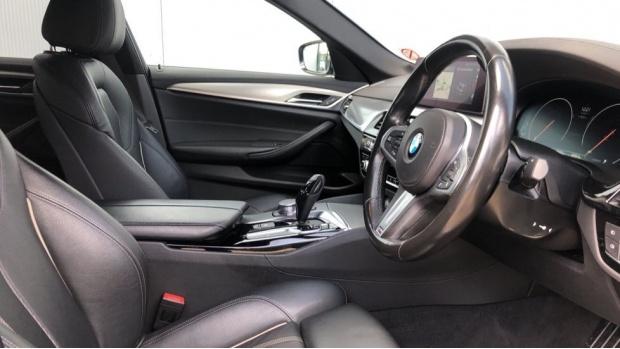 2018 BMW 520d M Sport Saloon (Blue) - Image: 6