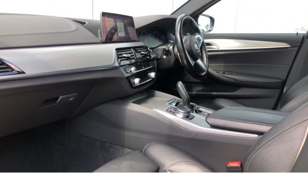 2018 BMW 520d M Sport Saloon (Blue) - Image: 7