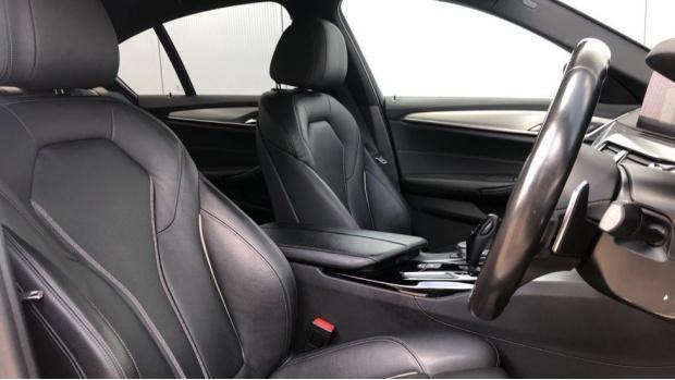 2018 BMW 520d M Sport Saloon (Blue) - Image: 11