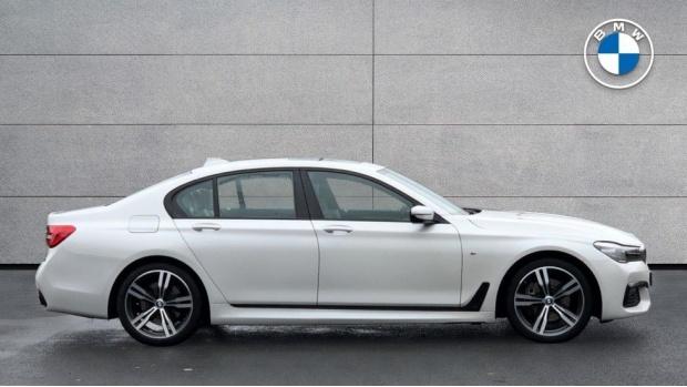 2016 BMW 730d xDrive M Sport Saloon (White) - Image: 3
