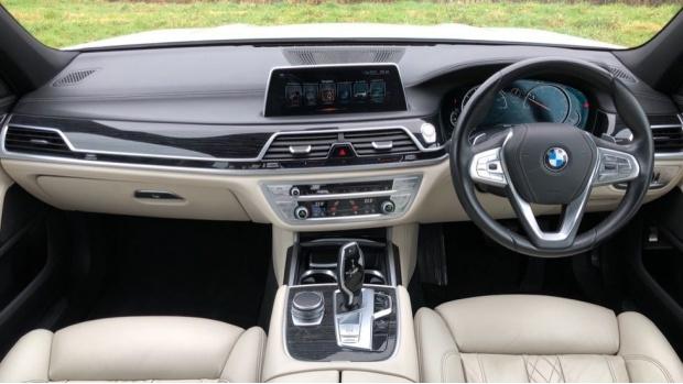 2016 BMW 730d xDrive M Sport Saloon (White) - Image: 4