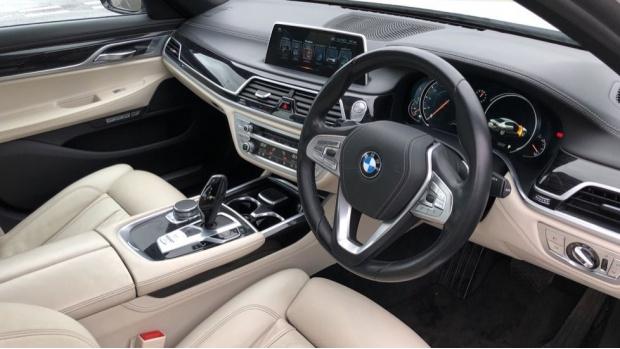 2016 BMW 730d xDrive M Sport Saloon (White) - Image: 6