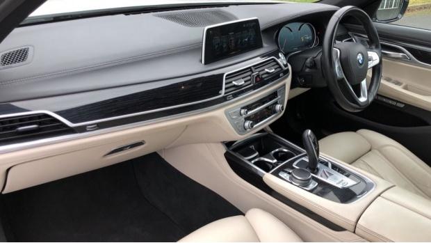 2016 BMW 730d xDrive M Sport Saloon (White) - Image: 7