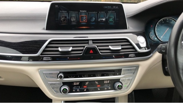 2016 BMW 730d xDrive M Sport Saloon (White) - Image: 8