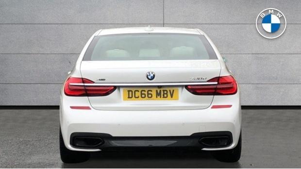 2016 BMW 730d xDrive M Sport Saloon (White) - Image: 15