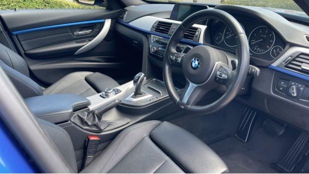 2017 BMW 320d M Sport Saloon (Blue) - Image: 6