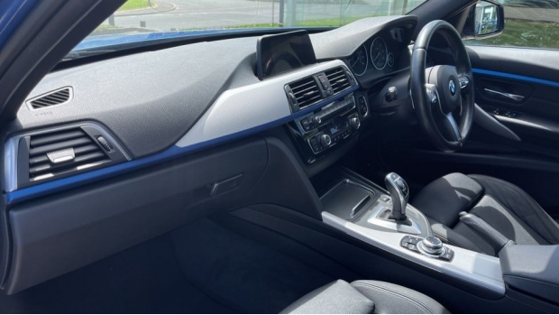 2017 BMW 320d M Sport Saloon (Blue) - Image: 7