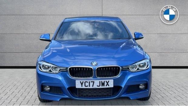 2017 BMW 320d M Sport Saloon (Blue) - Image: 16