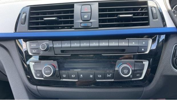 2017 BMW 320d M Sport Saloon (Blue) - Image: 37