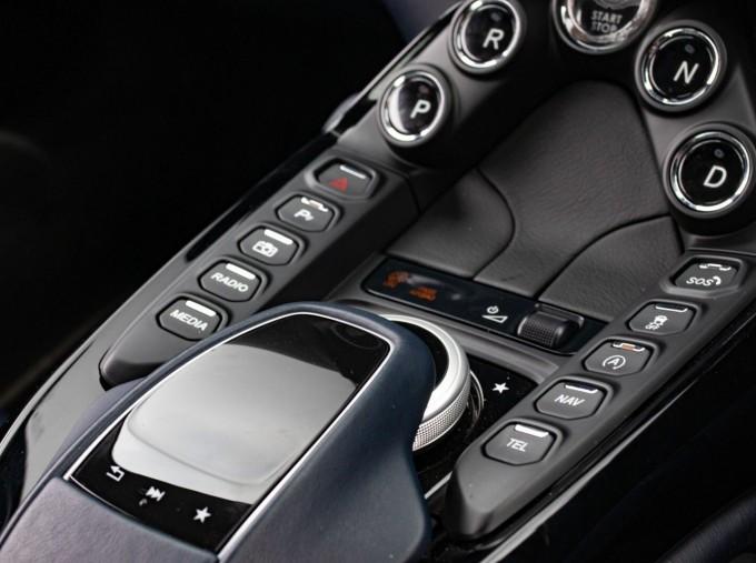 2019 Aston Martin Coupe (White) - Image: 14