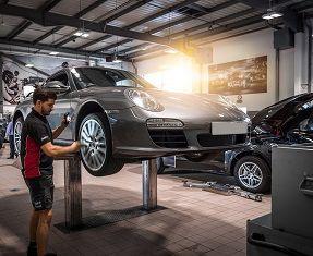 Porsche Servicing Image 1