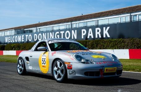 Restoracing Donington Park 2019